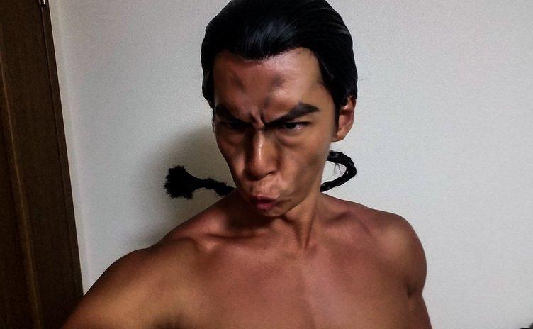 【芸能】NHK「筋肉体操」の小林弁護士、『グラップラー刃牙』の烈海王のコスプレを披露
