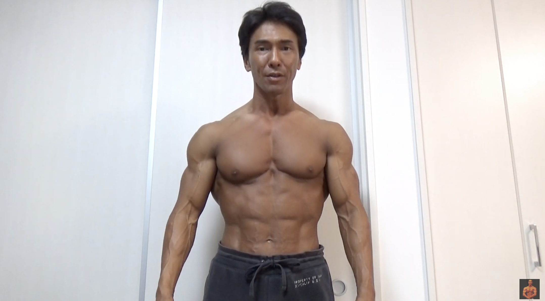 【画像】169cm67kgのボディビルダーの筋肉、カッコよすぎる