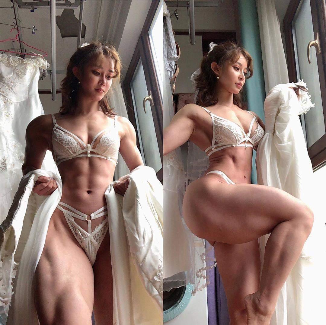 筋肉ムッキムキの女の子💪♀?💪