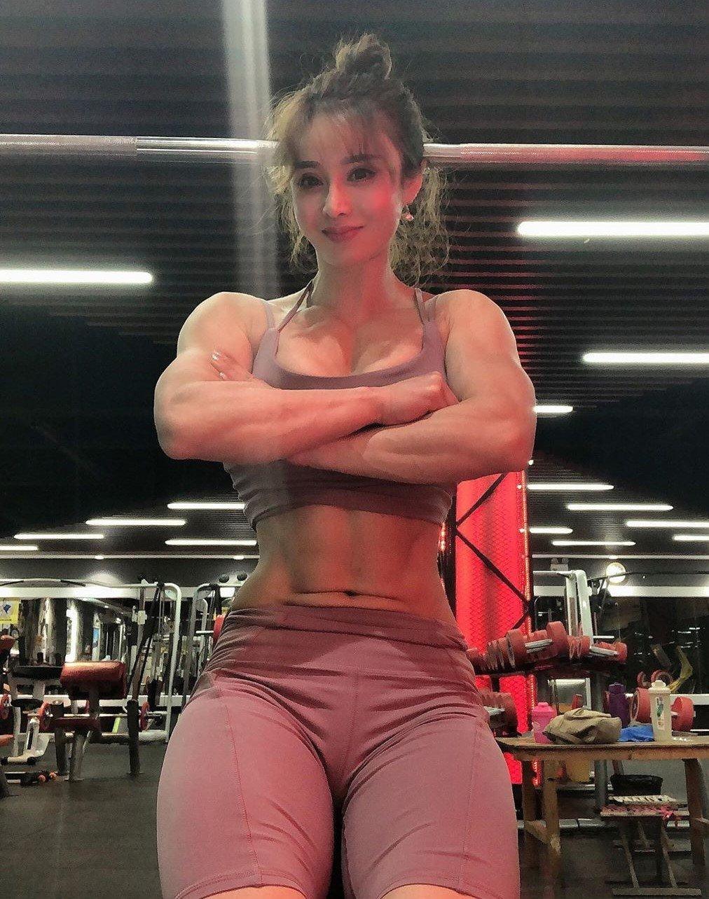 【画像】男の女に対する理想の体型がコレ↓ 女よ努力してるか?