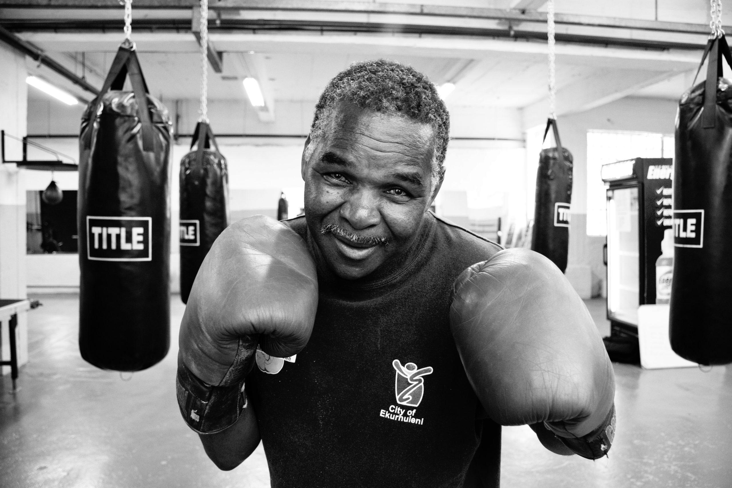 【悲報】ワイデブ、ダイエットで入ったボクシングジムで何故か試合を組まされる