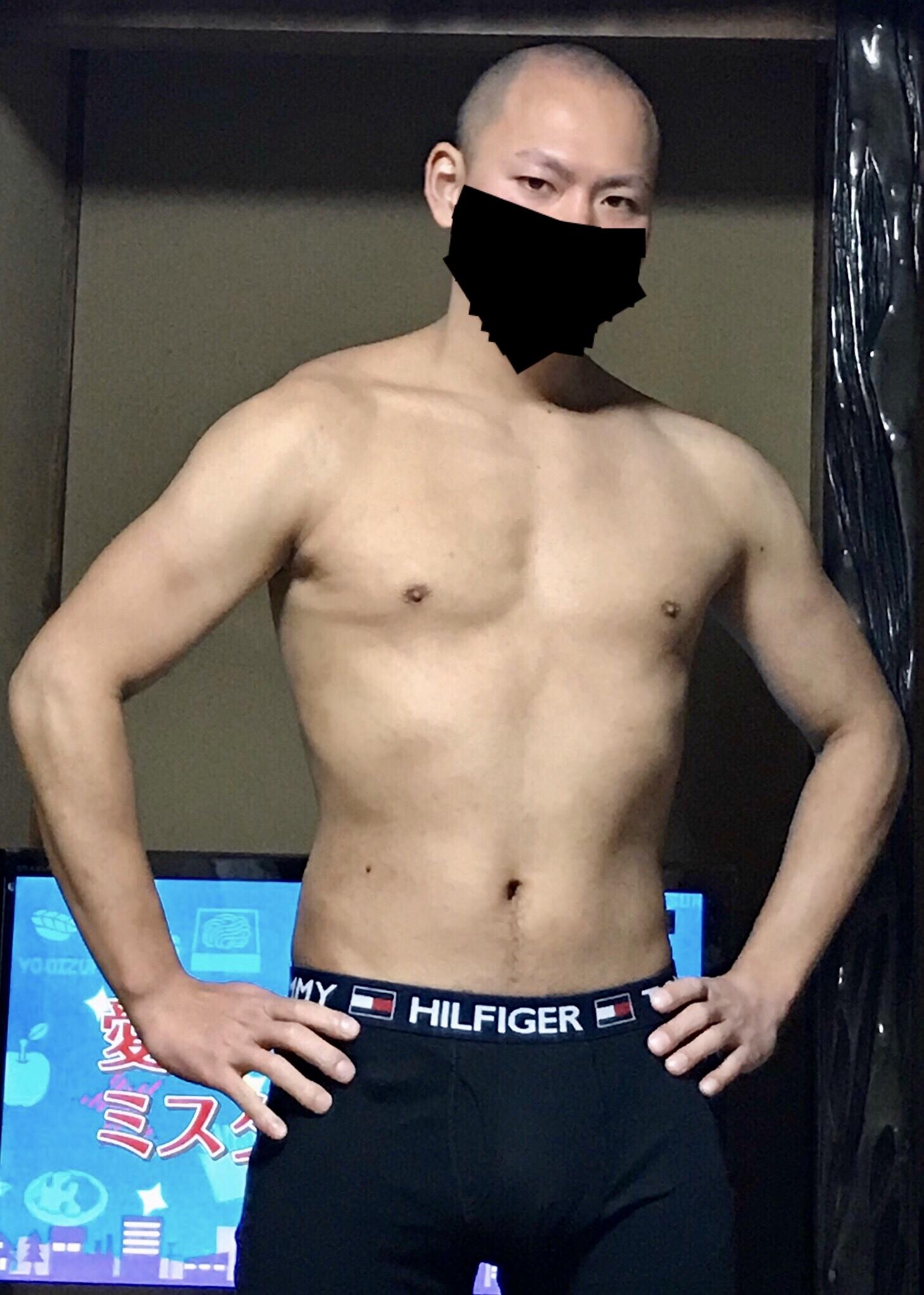 【画像】ベンチプレスMAX70kgワイの肉体wwww